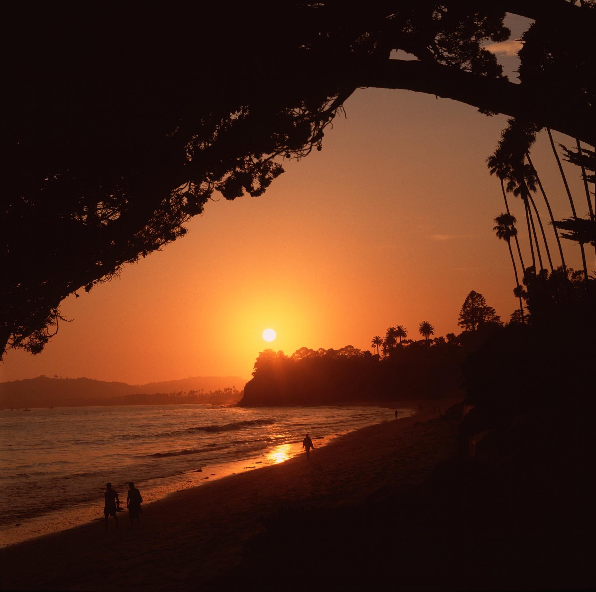 Sunset at Butterfly Beach in Santa Barbara California photographer Mikkel Alexander Grabowski
